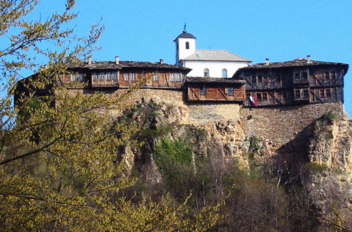 Glozhenskij-monastyr-Bolgarija