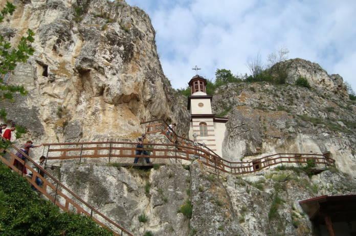 Ivanovskij-skalnyj-monastyr-Bolgarija