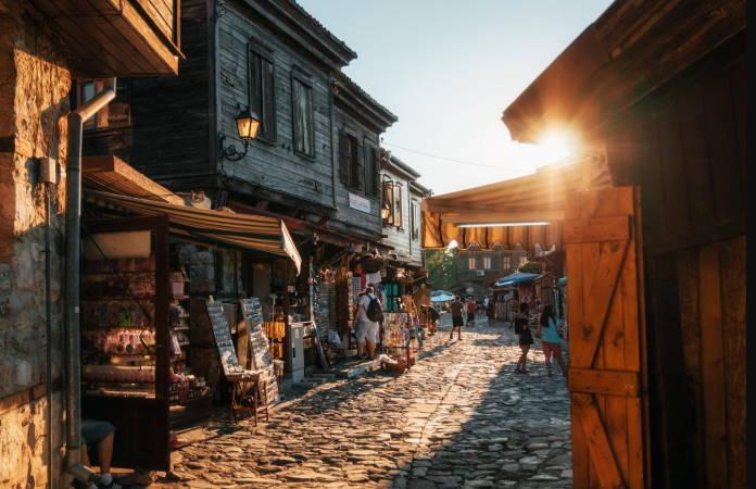 moshhenye-peshehodnye-ulicy-drevnego-Nesebra