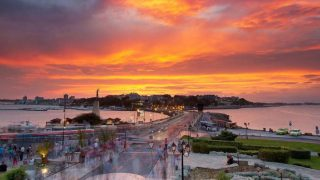 Несебр находится недалеко от популярных черноморских пляжей