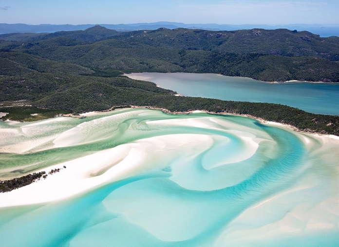 Pljazh-Uajthjeven-ostrov-Uitsandi-Avstralija