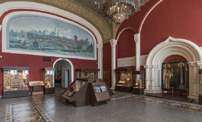 Государственный русский исторический музей на Красной Площади: краткое описание